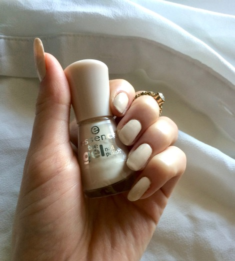 essence nail polish dream on