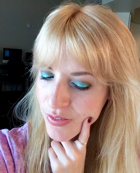 makeup look mermaid eyes