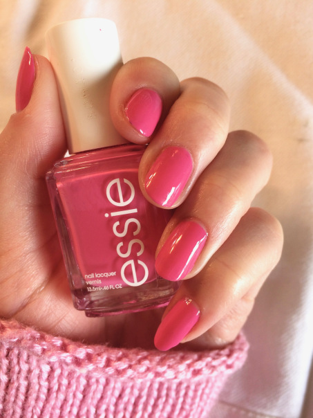 essie mod square pink nails